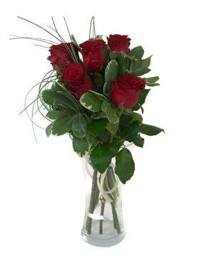 Buchet cu 5 trandafiri roșii