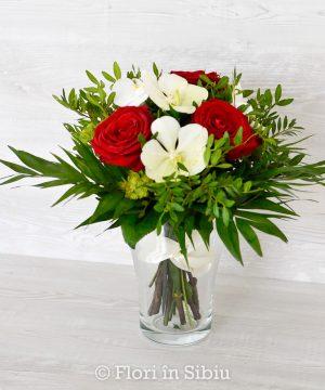 Buchet Alb-Roșu cu trandafiri și orhidee