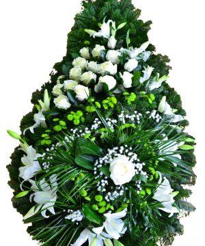 Coroană clasică cu flori naturale