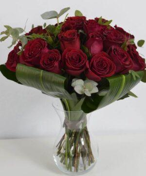 Buchet cu 25 trandafiri roșii